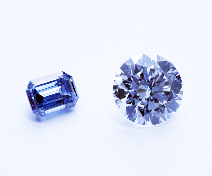 Two BlueDiamonds with different sizes and shapes are lined up.